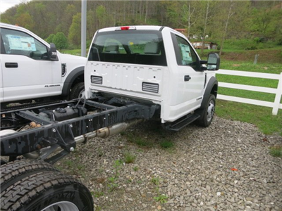 2017 F-550 Regular Cab DRW 4x4 Cab Chassis #7F0465 - photo 2