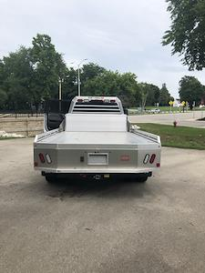 2019 Chevrolet Silverado 4500 Crew Cab DRW 4x2, Monroe Tow 'N Haul Gooseneck Platform Body #191970 - photo 2