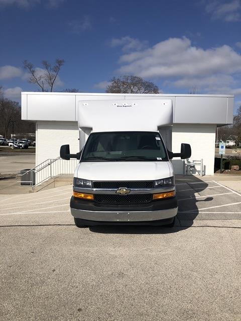2020 Chevrolet Express 3500 4x2, Rockport Cargoport Cutaway Van #202254 - photo 3