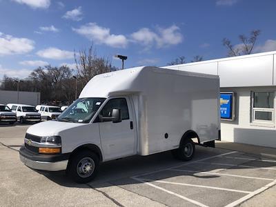 2020 Chevrolet Express 3500 4x2, Rockport Cargoport Cutaway Van #202254 - photo 4
