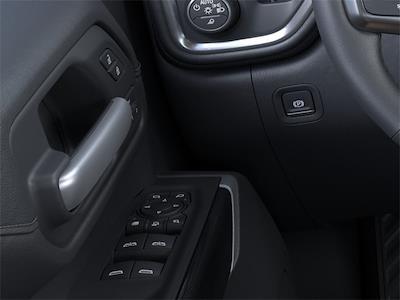 2021 Chevrolet Silverado 2500 Crew Cab 4x4, Pickup #210863 - photo 18