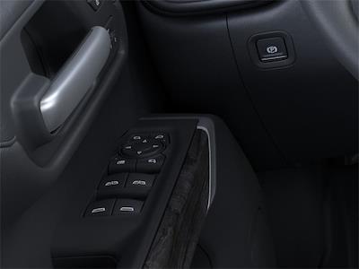 2021 Chevrolet Silverado 1500 Crew Cab 4x4, Pickup #210896 - photo 18