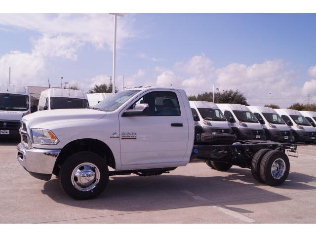 2018 Ram 3500 Regular Cab DRW 4x2,  Cab Chassis #18CF0065 - photo 17