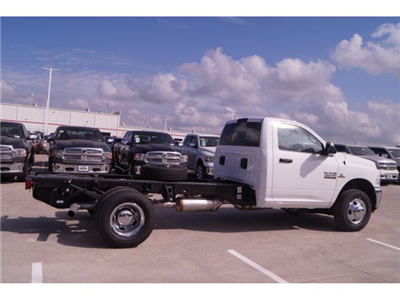 2018 Ram 3500 Regular Cab DRW,  Cab Chassis #18CF0065 - photo 17