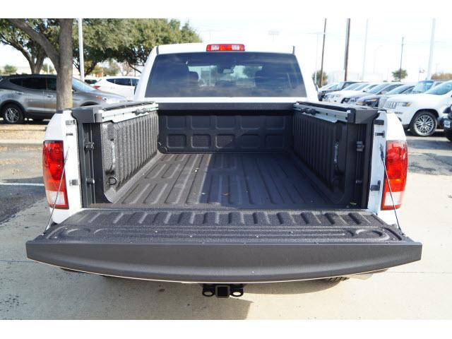 2017 Ram 1500 Crew Cab, Pickup #7CF0506 - photo 10