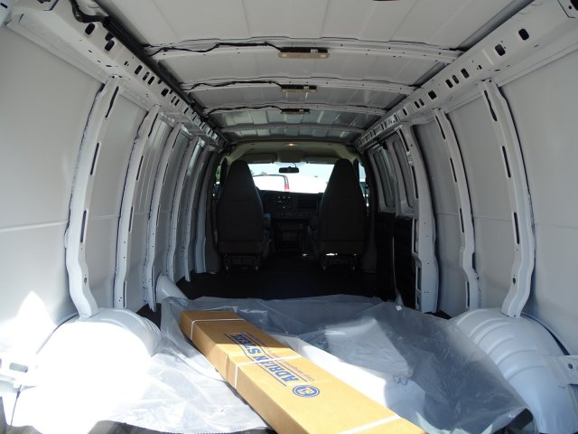 2019 Chevrolet Express 2500 4x2,  Empty Cargo Van #CC19613 - photo 1