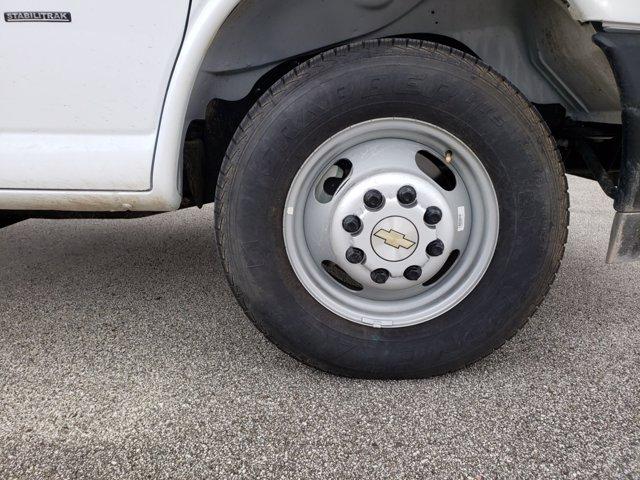 2020 Chevrolet Express 3500 4x2, Morgan Parcel Aluminum Cutaway Van #CC21060 - photo 15