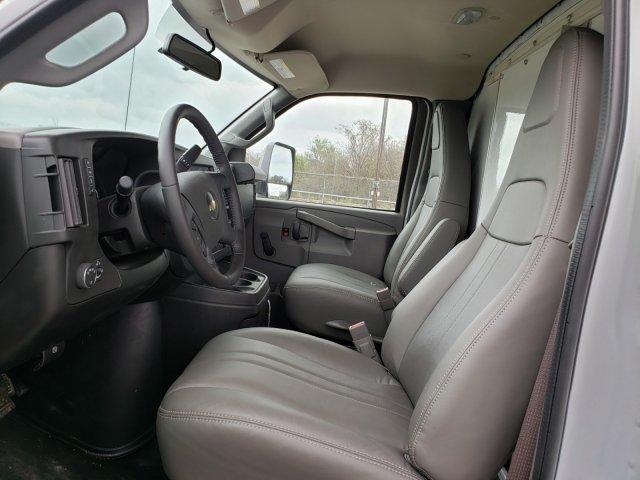 2020 Chevrolet Express 3500 4x2, Morgan Parcel Aluminum Cutaway Van #CC21060 - photo 9