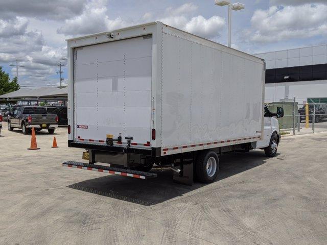 2020 Chevrolet Express 3500 4x2, Morgan Parcel Aluminum Cutaway Van #CC21273 - photo 2