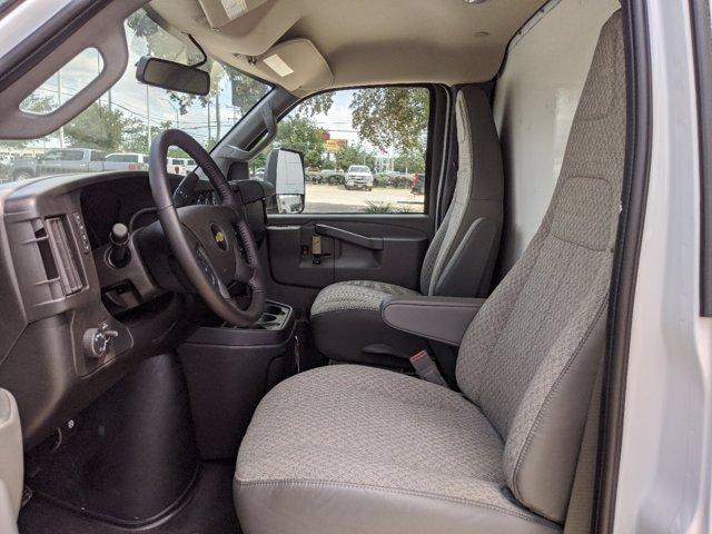 2020 Chevrolet Express 3500 4x2, Cutaway Van #CC21419 - photo 9