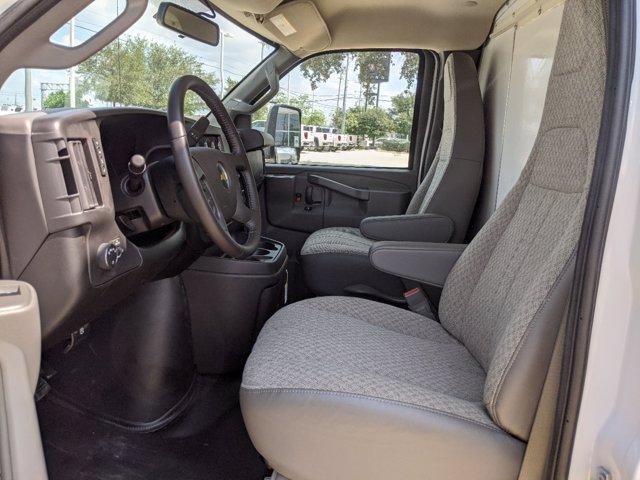 2020 Chevrolet Express 3500 4x2, Cutaway #CC21421 - photo 9