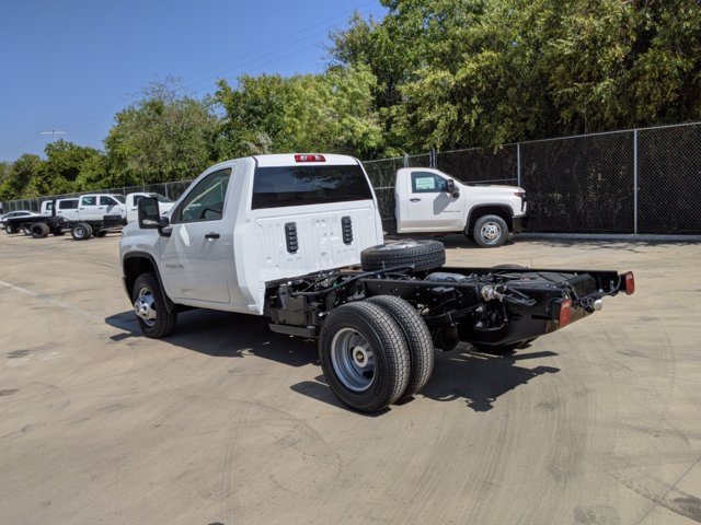 2020 Chevrolet Silverado 3500 Regular Cab DRW 4x4, Cab Chassis #CC21456 - photo 6