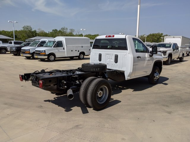 2020 Chevrolet Silverado 3500 Regular Cab DRW 4x4, Cab Chassis #CC21456 - photo 2