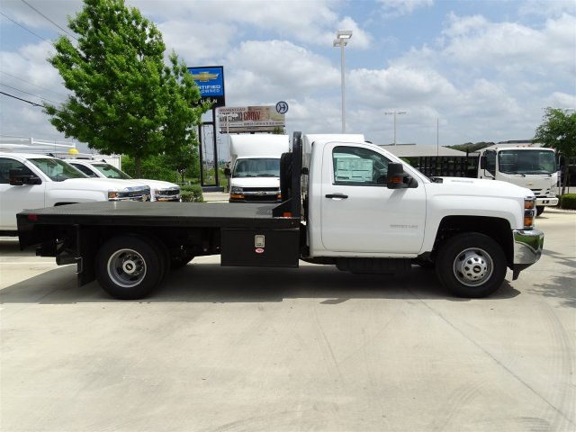 2018 Silverado 3500 Regular Cab DRW 4x4,  Platform Body #CC81352 - photo 4