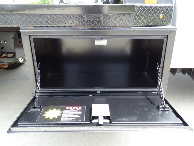 2018 Silverado 3500 Regular Cab DRW 4x4,  Platform Body #CC81352 - photo 5