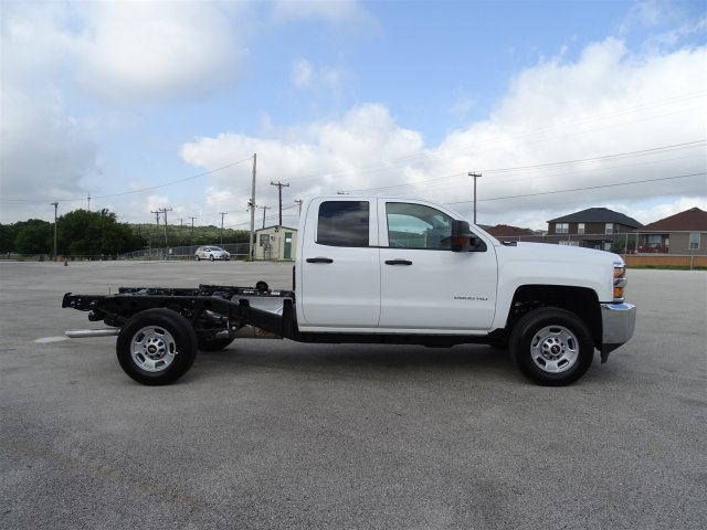2018 Silverado 2500 Double Cab 4x4,  Cab Chassis #CC81840 - photo 4