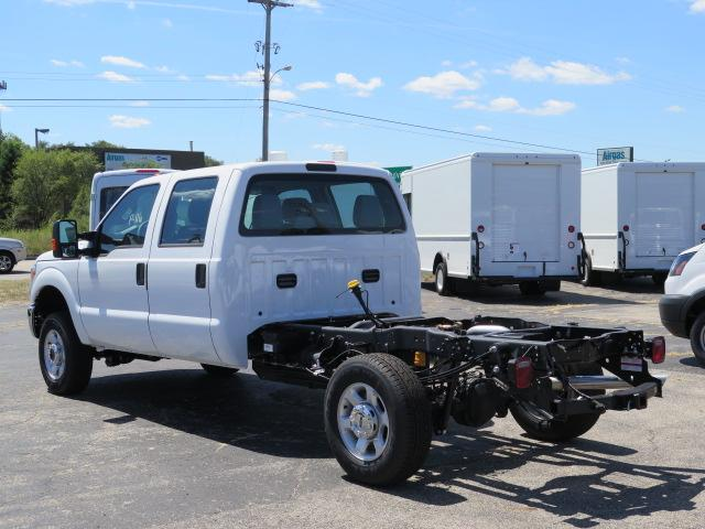 2016 F-350 Crew Cab 4x4, Cab Chassis #16T1097 - photo 3
