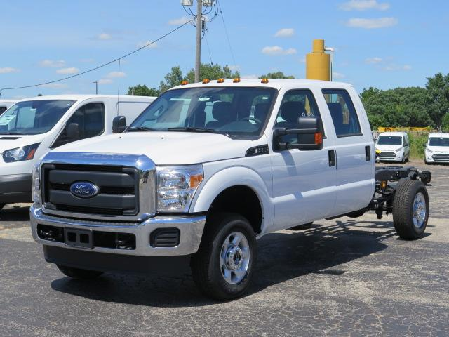 2016 F-350 Crew Cab 4x4, Cab Chassis #16T1097 - photo 4