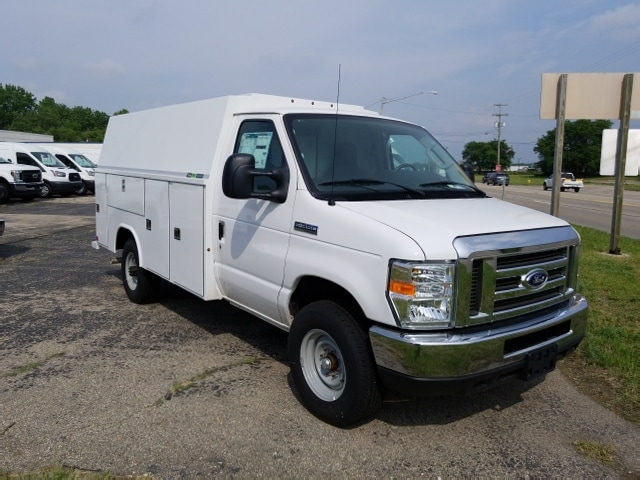 2017 E-350 4x2,  Reading Service Utility Van #17T1349 - photo 4