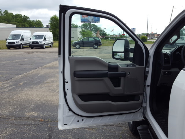 2017 F-350 Regular Cab 4x4, Pickup #17T281 - photo 11