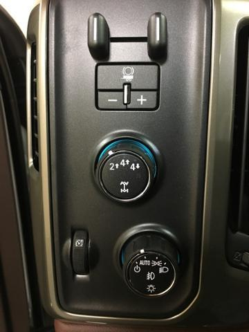 2019 Silverado 2500 Crew Cab 4x4,  Pickup #143185 - photo 18