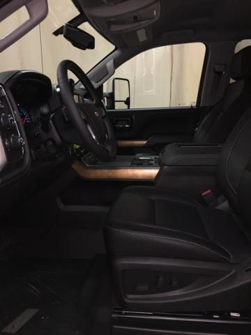 2019 Silverado 2500 Crew Cab 4x4,  Pickup #149684 - photo 10