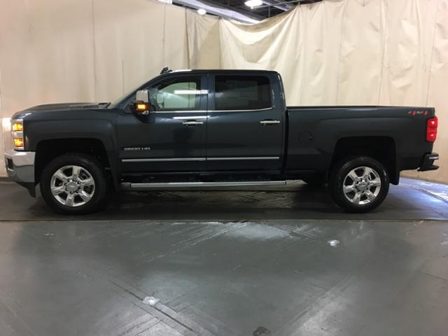 2019 Silverado 2500 Crew Cab 4x4,  Pickup #149684 - photo 3
