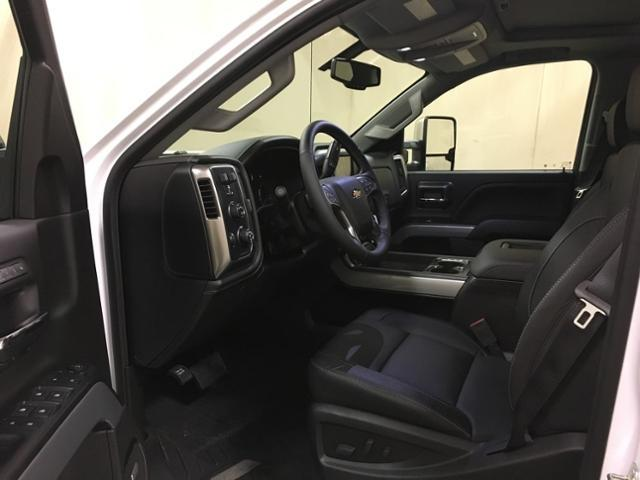 2019 Silverado 2500 Crew Cab 4x4,  Pickup #152250 - photo 14