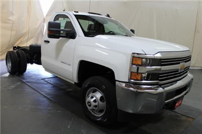 2018 Silverado 3500 Regular Cab DRW 4x4,  Cab Chassis #248025 - photo 3