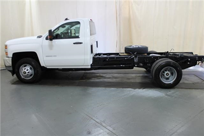 2018 Silverado 3500 Regular Cab DRW 4x4,  Cab Chassis #248025 - photo 5