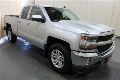 2018 Silverado 1500 Double Cab 4x4,  Pickup #252459 - photo 3