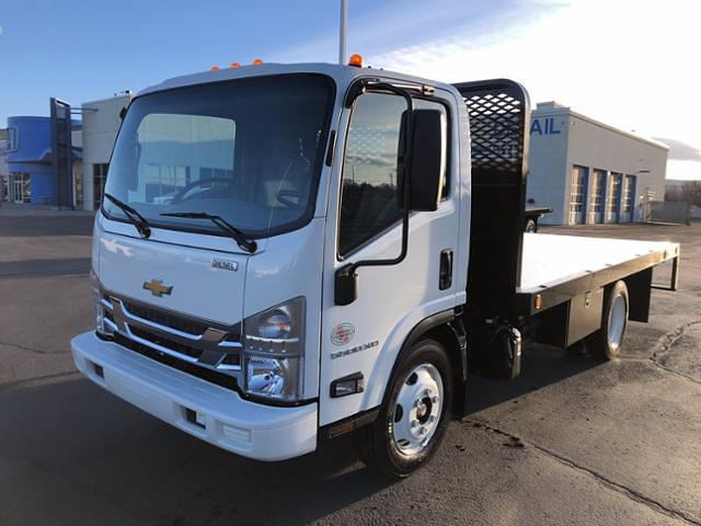 2020 Chevrolet LCF 5500XD Regular Cab DRW 4x2, Platform Body #F304133 - photo 1