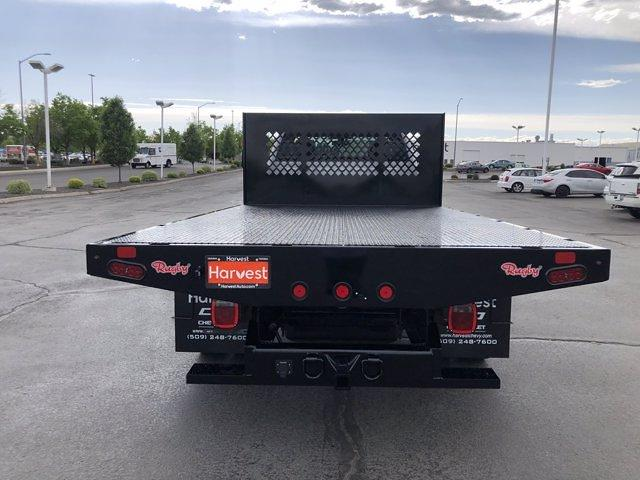 2021 Chevrolet Silverado 5500 Regular Cab DRW 4x2, Rugby Platform Body #F845620 - photo 7
