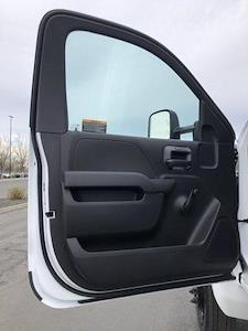 2021 Chevrolet Silverado 5500 Regular Cab DRW 4x2, Rugby Platform Body #F845620 - photo 11