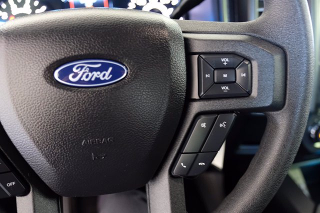 2020 Ford F-150 SuperCrew Cab 4x4, Pickup #F00189 - photo 25