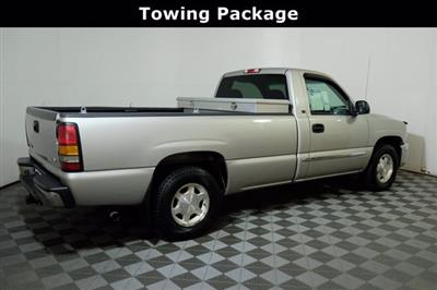 2004 GMC Sierra 1500 Regular Cab 4x2, Pickup #F010412 - photo 2