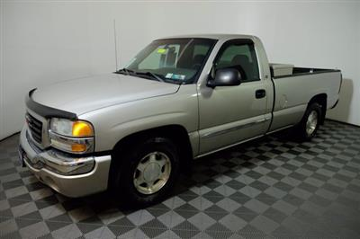 2004 GMC Sierra 1500 Regular Cab 4x2, Pickup #F010412 - photo 9