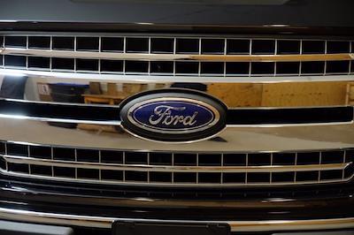 2018 Ford F-150 SuperCrew Cab 4x4, Pickup #F1073D - photo 13