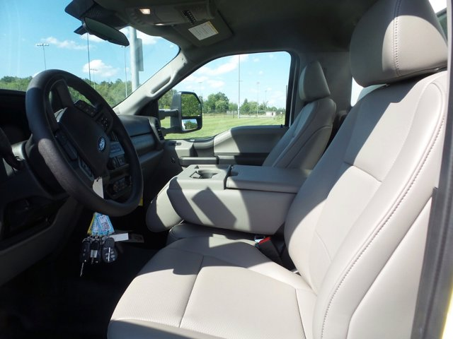 2020 Ford F-550 Regular Cab DRW 4x4, Reading Panel Service Body #FU0341 - photo 9