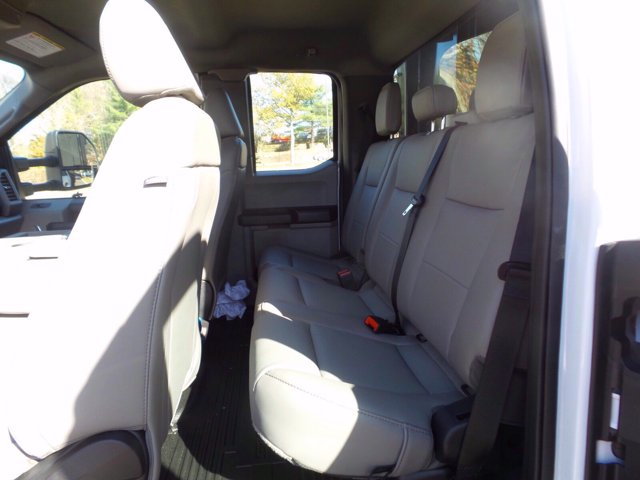 2020 Ford F-450 Super Cab DRW 4x4, Reading Landscaper SL Landscape Dump #FU0642 - photo 9