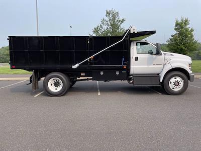 2022 F-750 Regular Cab DRW 4x2,  PJ's Truck Bodies Landscape Dump #FU2012 - photo 5