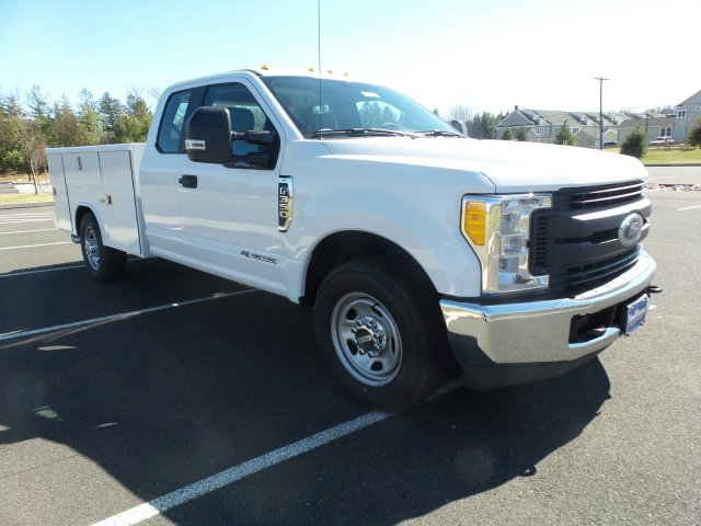 2017 F-350 Super Cab 4x2,  Reading Service Body #FU7187 - photo 4
