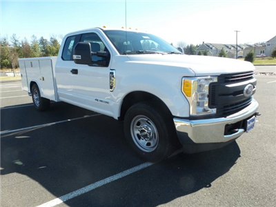 2017 F-350 Super Cab 4x2,  Reading Classic II Steel Service Body #FU7187 - photo 4