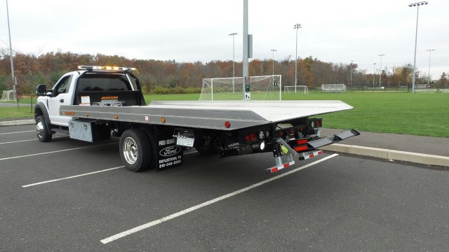 2017 F-550 Regular Cab DRW 4x4 Rollback Body #FU7375 - photo 2