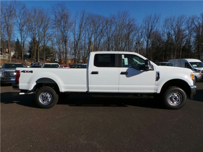 2017 F-250 Crew Cab 4x4, Pickup #FU7494 - photo 3