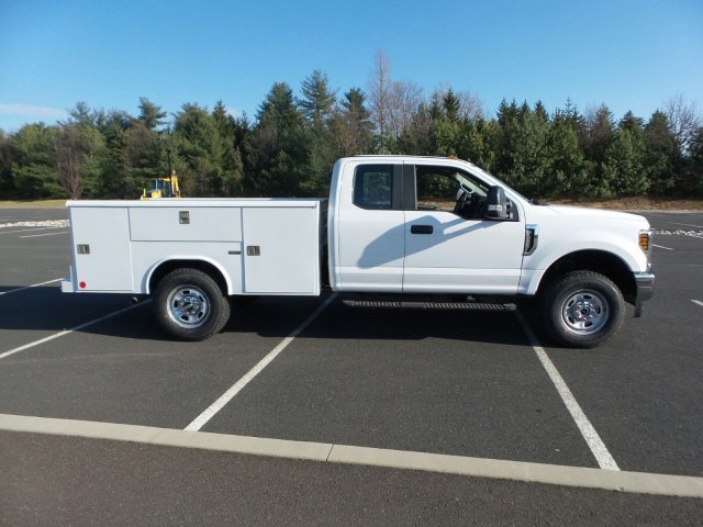 2018 F-350 Super Cab 4x4,  Reading Classic II Steel Service Body #FU8184 - photo 5