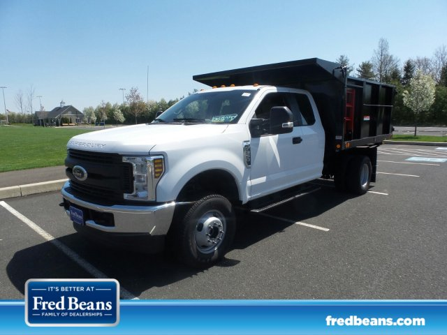2018 F-350 Super Cab DRW 4x4,  Freedom Canyon Landscape Dump #FU8264 - photo 1