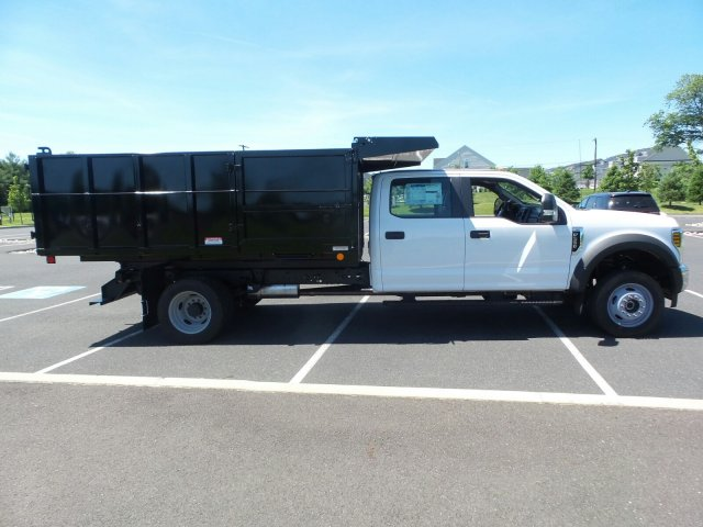 2018 F-550 Crew Cab DRW 4x4,  Reading Landscape Dump #FU8309 - photo 5