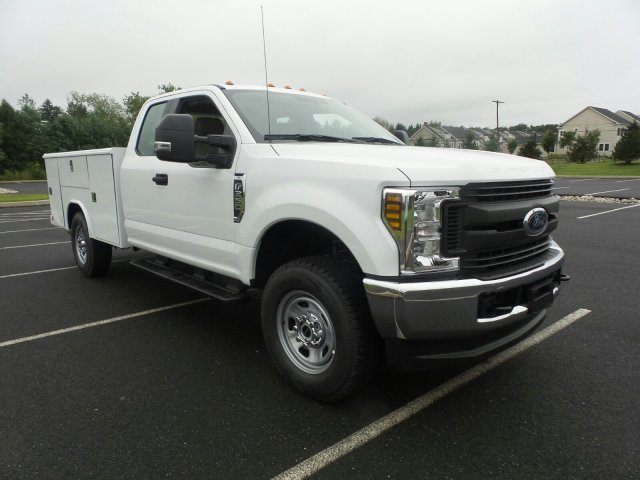 2019 F-350 Super Cab 4x4,  Reading Service Body #FU9019 - photo 4