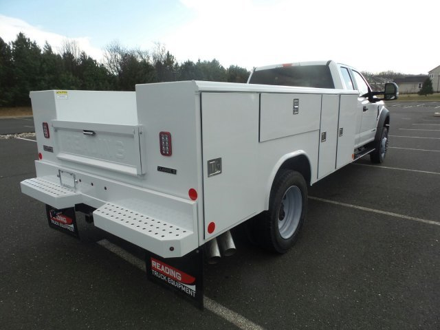 2019 F-450 Super Cab DRW 4x4,  Reading Classic II Steel Service Body #FU9471 - photo 2
